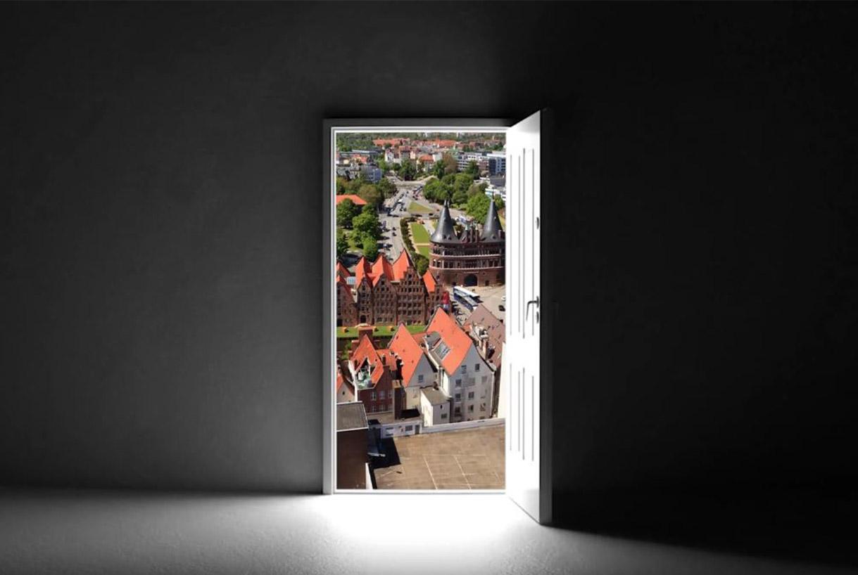 Ansicht offene Tür - Sicherheitsberatung für Privat und Gewerbe